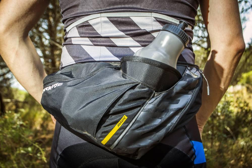 9307bbbd418 La Crossride Belt es una bolsa para sentirnos frescos incluso en agosto,  pero también es una bolsa perfecta para tener la mayor movilidad y libertad  sobre ...